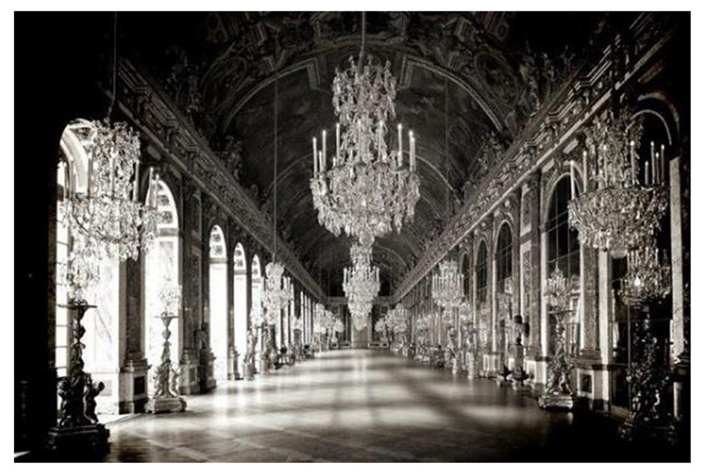 Picture-Hall Of Mirrors
