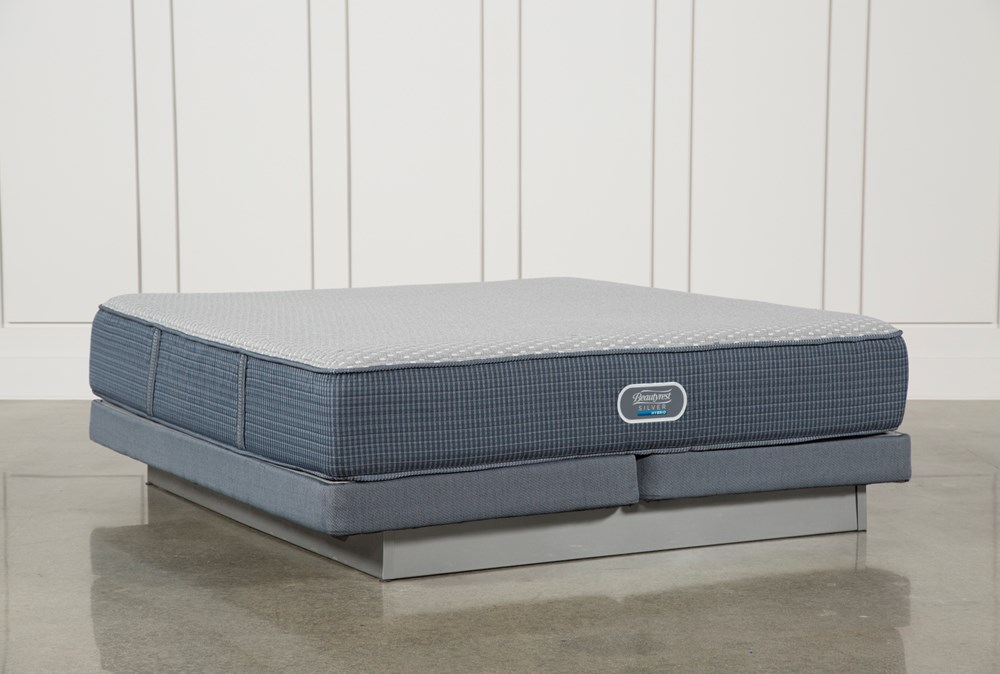 Ventura Plush Eastern King Mattress W/Low Profile Foundation