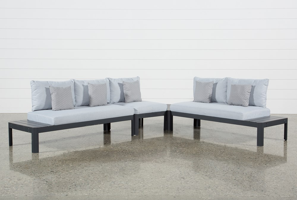 Outdoor Andaz 3 Piece Sectional & Cocktail Table