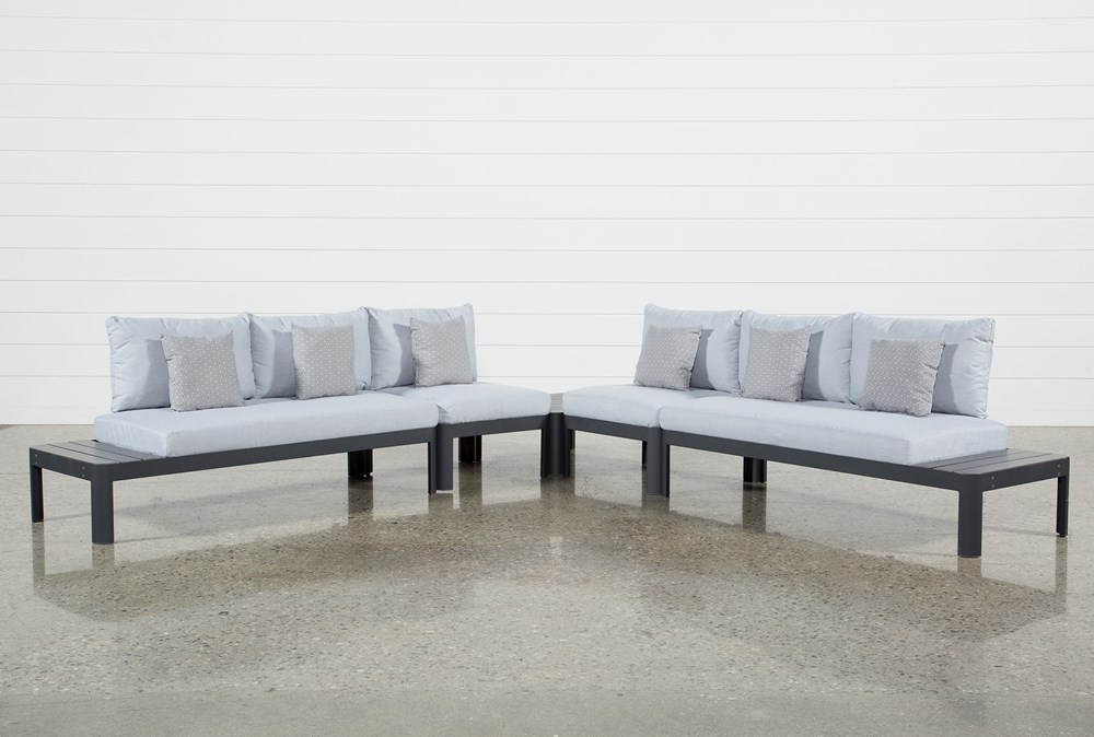 Outdoor Andaz 4 Piece Sectional & Cocktail Table